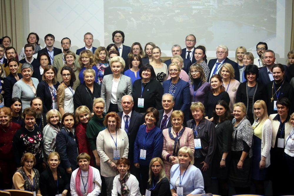 С 14 по 15 ноября 2018 годав Минске состоялся VI Форум Всероссийской программы «Святость материнства»